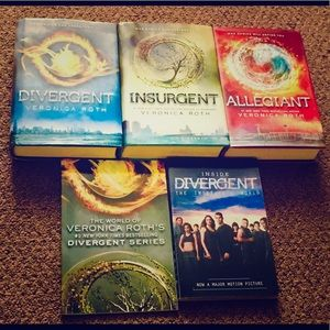 Other - Divergent Trilogy Complete HC Set + 2 Extra Books